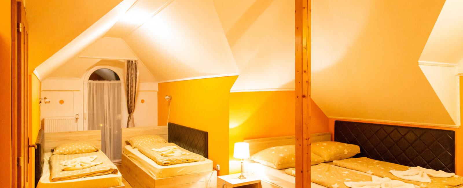 4-ágyas-családi-szoba2_optimized