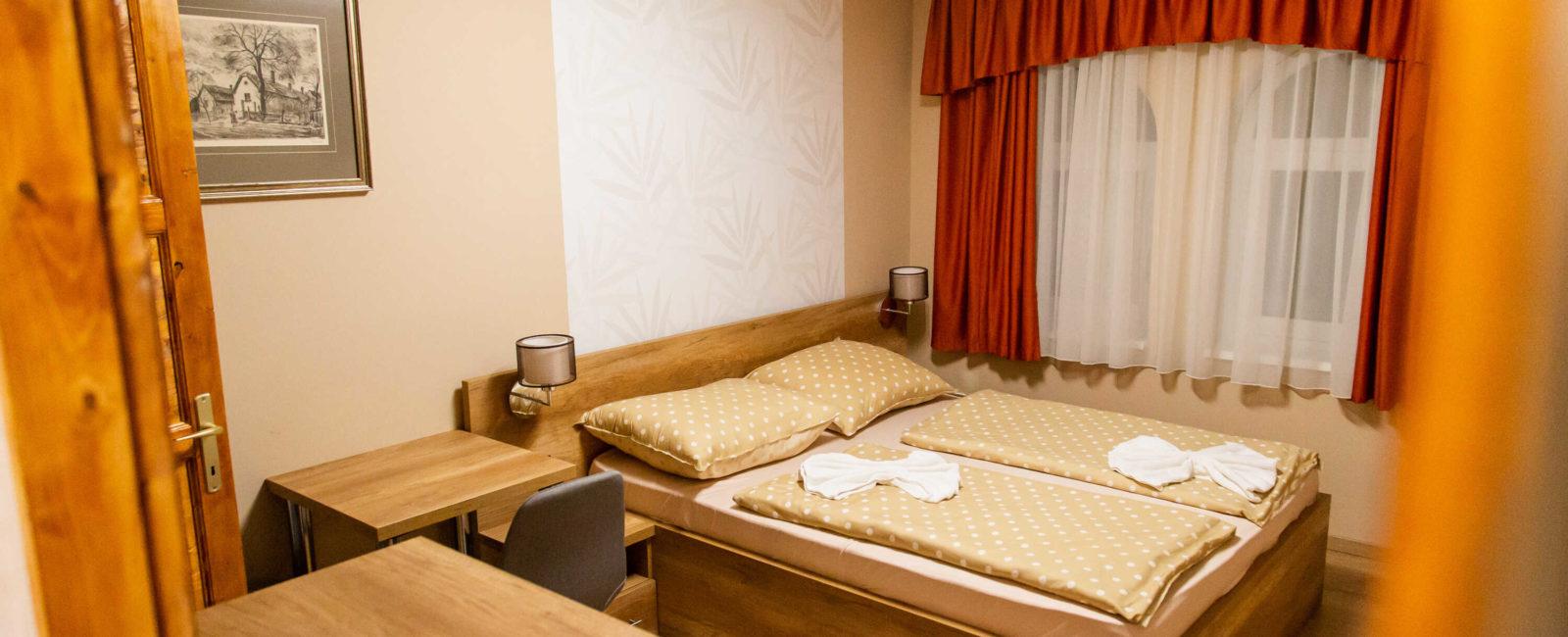 franciaágyas-szoba 3